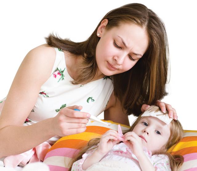Cách hạ sốt cho trẻ do viêm họng